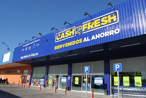 Entrada del nuevo Cash Fresh de San José de la Rinconada